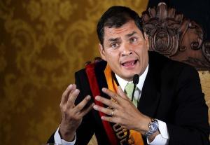 Correa dice que han intentado hackear sus cuentas desde el extranjero