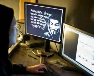 Caen 17 'hackers' que robaron 160.000 millones de pesos