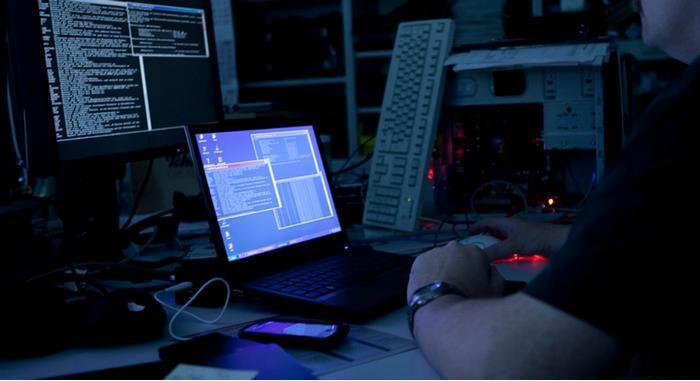 'Atacan' hackers a negocios del Centro