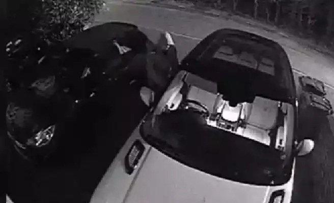 Vídeo: Un hacker roba un coche eléctrico en diez segundos