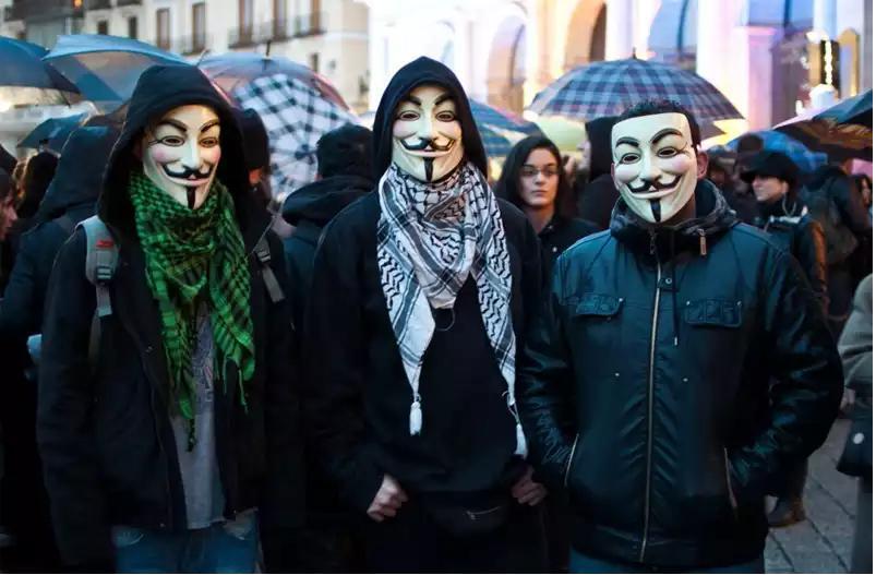 Anonymous publica emails, cuentas de Facebook y datos de tarjetas de crédito de israelíes