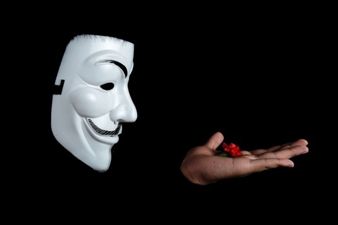 Anonymous declara la guerra a la policía canadiense