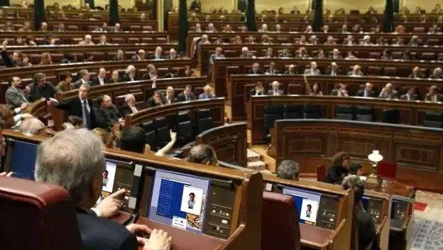 Dos de cada tres españoles creen que el Gobierno es hackeable