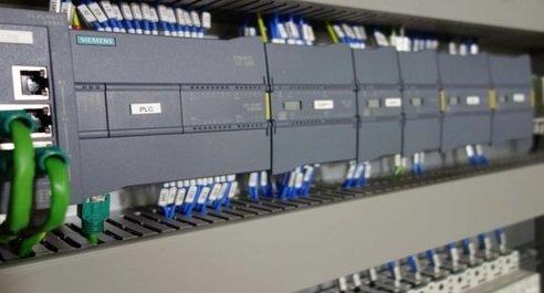 Encuentran backdoor en PLCs de Siemens. Infraestructura crítica y redes SCADA afectadas