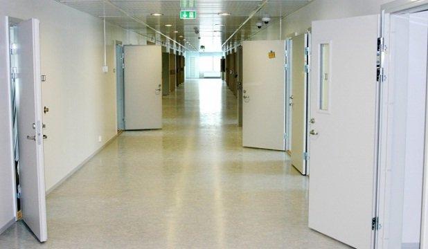 Interior de la prisión de Halden en Noruega / Hatto editada con licencia CC 2.0