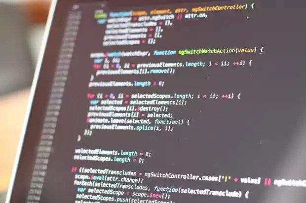 Todos los exploits vienen escritos en código de programación que se puede modificar