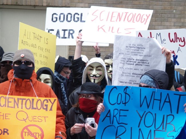 100.000 cuentas de Twitter y 150 sitios web atacados: Así es la guerra de Anonymous contra el EI