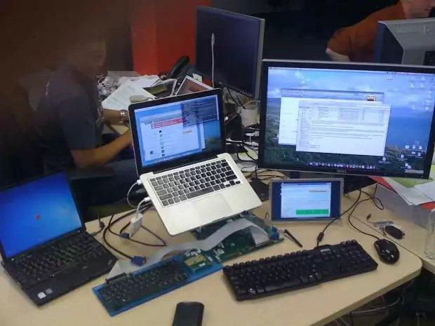 OmniRAT también puede controlar sistemas de escritorio / Mike Beltzner editada con licencia CC 2.0